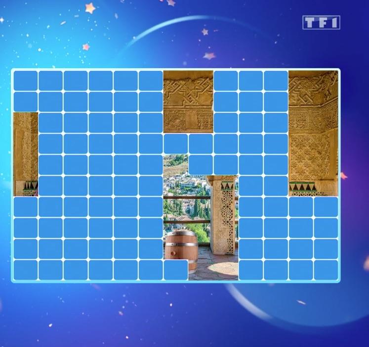 « Les 12 coups de midi » : un tonneau en indice pour vous aider à trouver qui se cache derrière l'étoile mystérieuse !